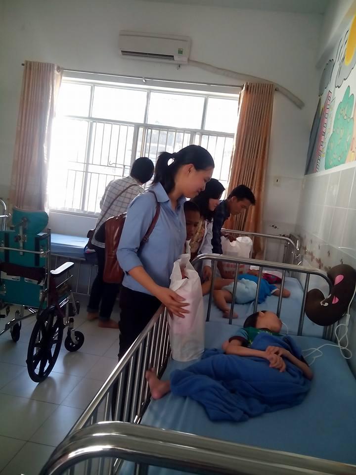 Thăm nạn nhân nhiễm chất độc da cam Tết Nguyên Đán 2016